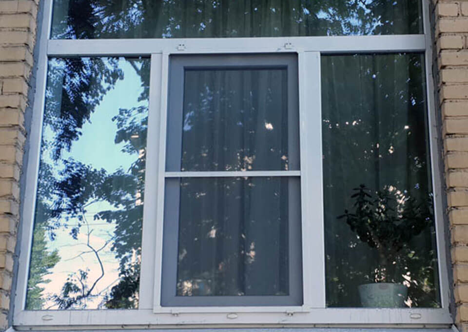 Москитная сетка на пластиковые окна картинки 3
